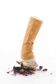 Arrêter de fumer à n'importe quel âge diminue le risque de mortalité après 70 ans