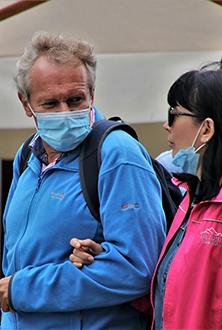 Vivre avec un partenaire romantique aide à rester en contact pendant la pandémie
